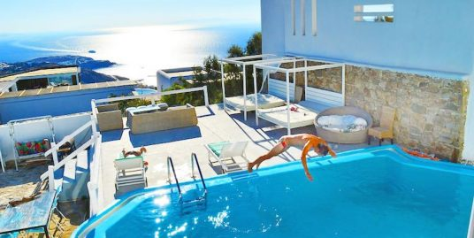 Villa of 400 sq. Meters, in Mykonos at Super Paradise beach