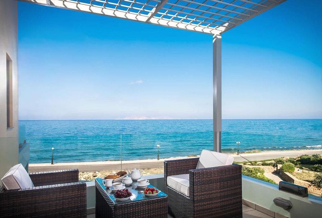 Seafront Villa of 204 sq.m in Gouves near Heraklio Crete