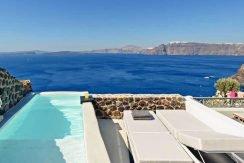 Super Villa of 3 Luxury Suites at Oia Santorini 2