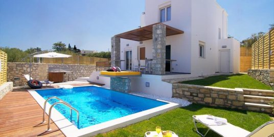 Villa with Pool in Crete ideal for Residency