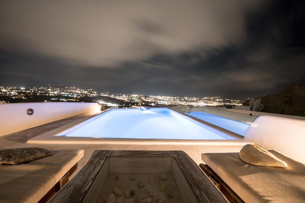 Maisonette for Sale in Mykonos with 4 bedrooms and Pool