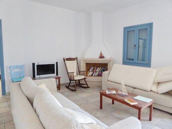 Villa in Santorini 8