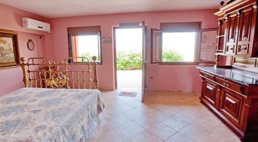 villa for Sale Athens South Lagonisi 35
