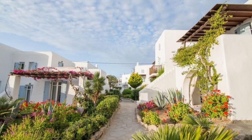 Beautiful House in Mykonos For Sale 1