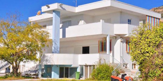 Villa with Pool near the sea at Anavyssos Attica