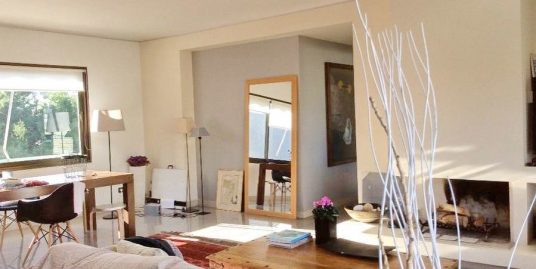 Apartment at Agia Paraskeui , North Athens with 3 Bedrooms