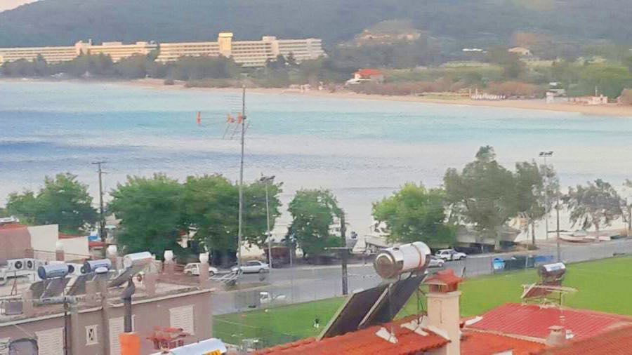 Building at Marmaras Sithonia Halkidiki can become small Hotel of 5 Apartments