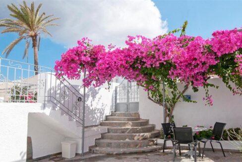 Villas for Sale in Santorini Messaria