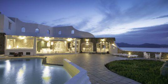 Super Big Villa in Mykonos, Houlakia
