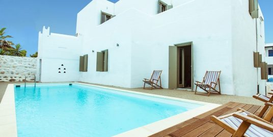 7 bedroom luxury Villa for sale in Naousa, Paros