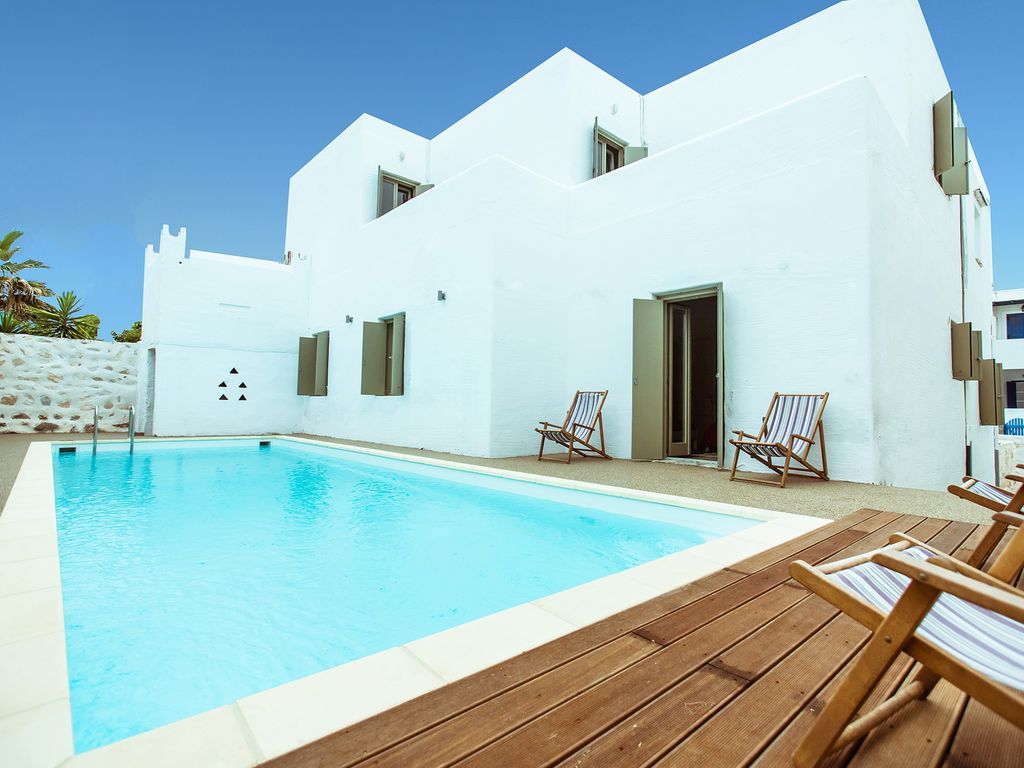 7 bedroom luxury Villa for sale in Naousa, Paros