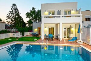 Villa of 5 Holiday apartments in Crete. Properties in Crete. Business in Crete