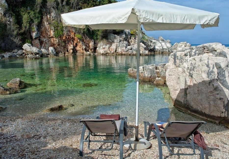 Amazing Villa for Sale Corfu Greece, Distance from beach: 20m. Beachfront Villa Corfu for Sale, Seafront Property in Corfu, Real Estate in Corfu 1