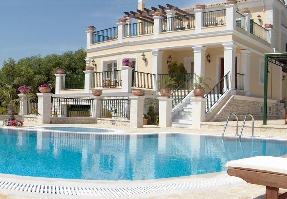 Amazing Villa for Sale Corfu Greece, Distance from beach: 20m. Beachfront Villa Corfu for Sale, Seafront Property in Corfu, Real Estate in Corfu 4