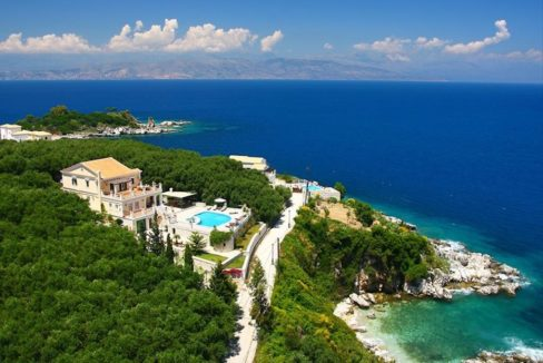 Amazing Villa for Sale Corfu Greece, Distance from beach: 20m. Beachfront Villa Corfu for Sale, Seafront Property in Corfu, Real Estate in Corfu 5