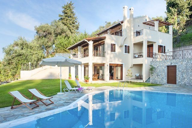 Luxury Estate Villa in Corfu for Sale 8
