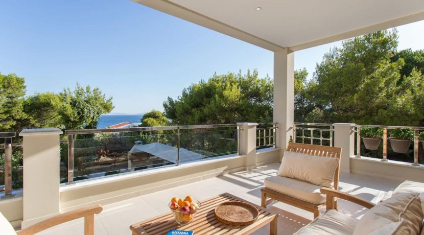 Luxury Villa by the sea Attica 10