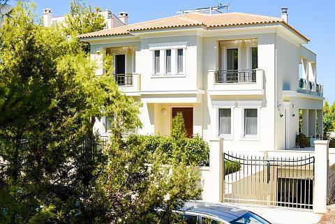 Luxury Villa by the sea Attica 18