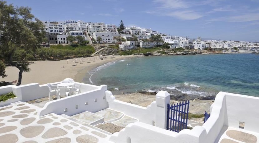 Seaside Villa in Paros for Sale 1