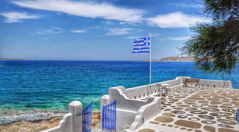Seaside Villa in Paros for Sale 12