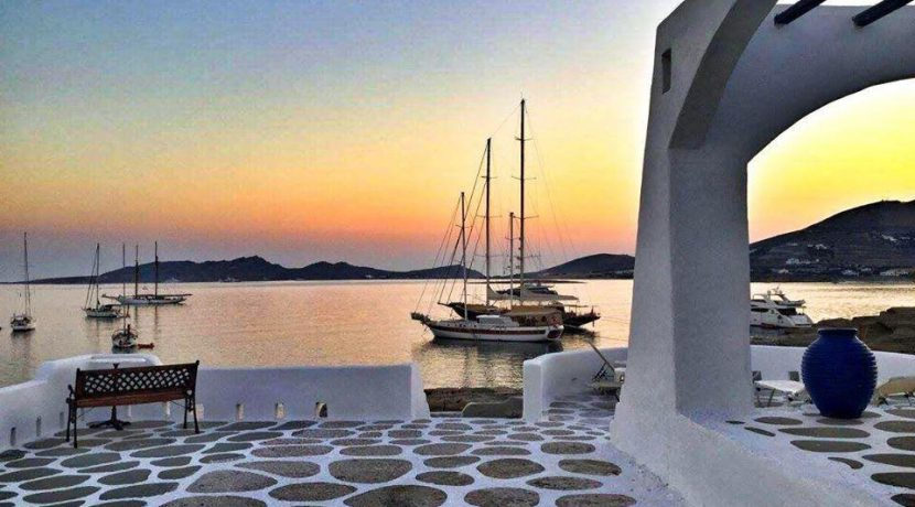 Seaside Villa in Paros for Sale 14