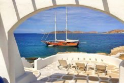 Seaside Villa in Paros for Sale 15