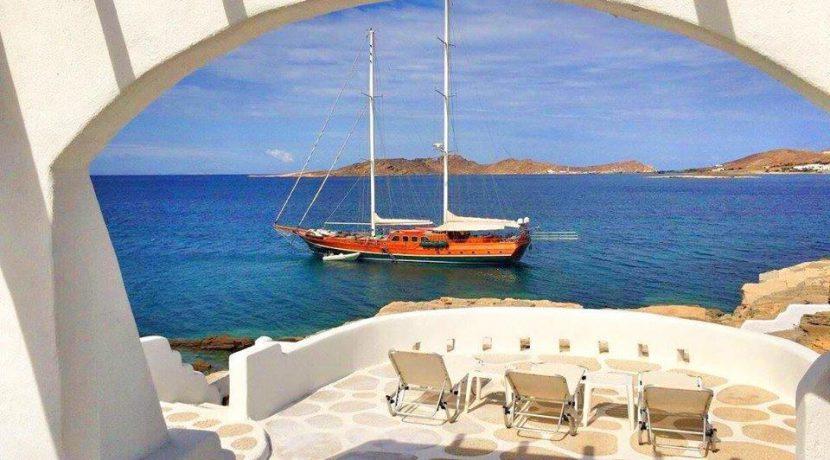 Seaside Villa in Paros for Sale 15