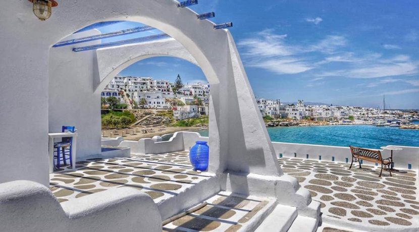 Seaside Villa in Paros for Sale 6
