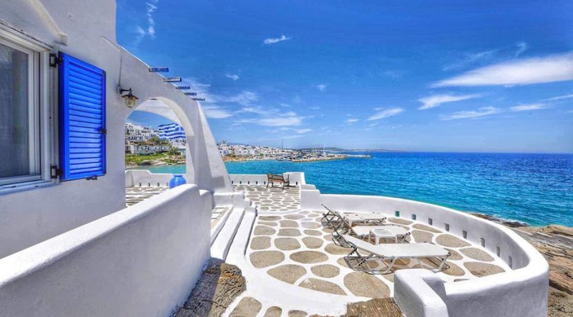 Seaside Villa in Paros for Sale 7