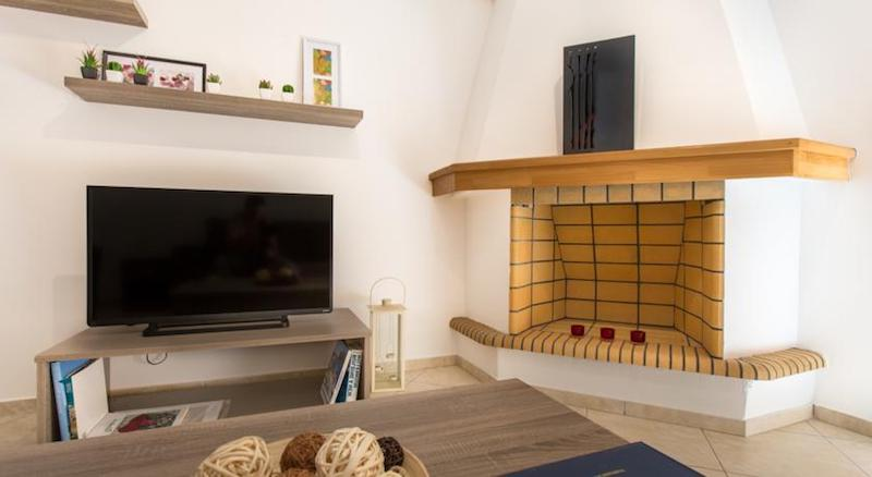 5 Renovated Apartments at Airbnb for Sale in Athens Greece4