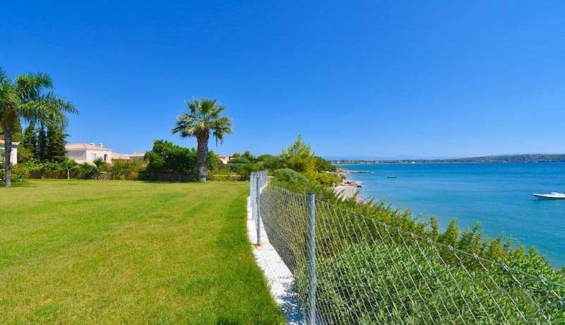 Amazing Seafront Villa Porto Heli 8