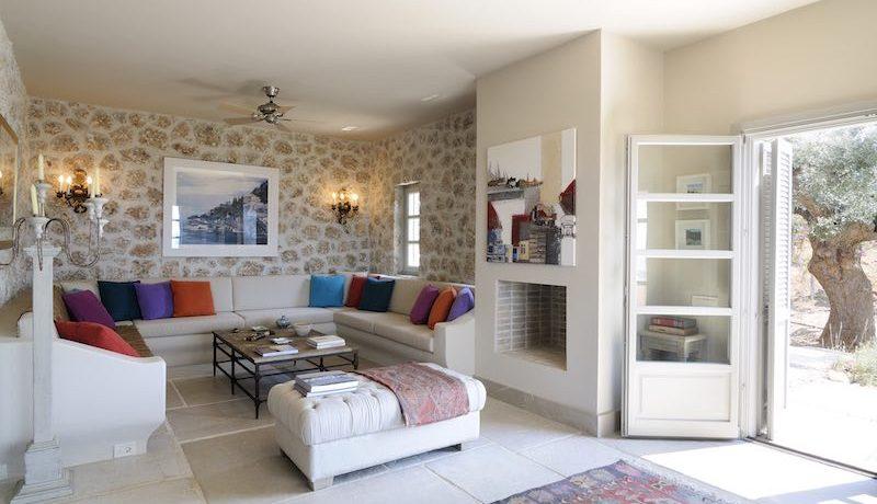 Big Villa in Porto Heli for Sale 14