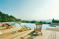Big Villa with large land plot Corfu 1