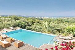 Big Villa with large land plot Corfu 11