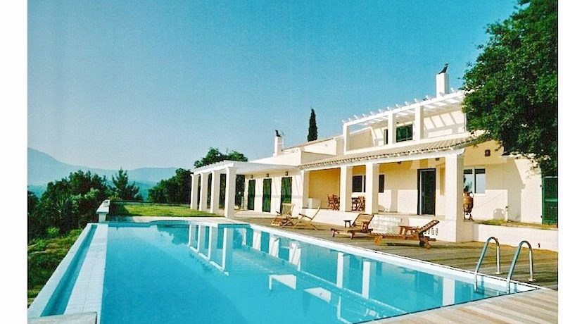 Big Villa with large land plot Corfu 14