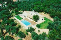 Big Villa with large land plot Corfu 15
