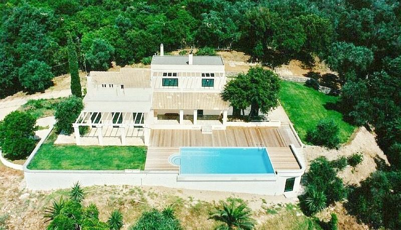 Big Villa with large land plot Corfu 17