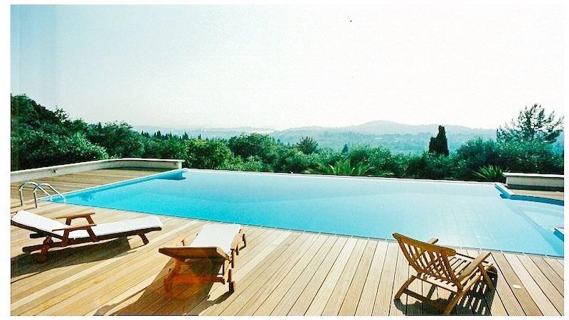 Big Villa with large land plot Corfu 2