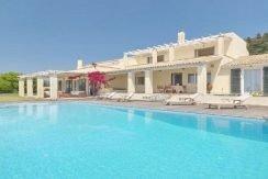 Big Villa with large land plot Corfu 4