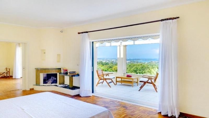 Big Villa with large land plot Corfu 8