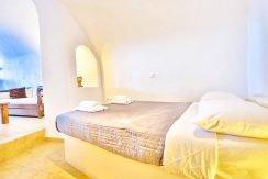 Cave House Oia Santorini at Caldera 10
