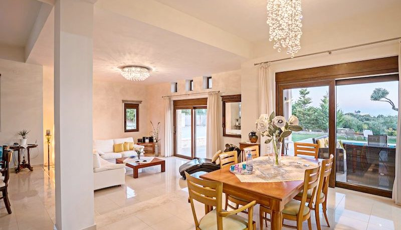 Luxury Villa for sale in Rethymno 1