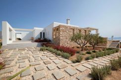 Luxury Villa in Lolandonis Beach , in Paros 1