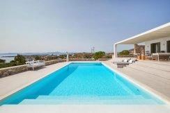 Luxury Villa in Lolandonis Beach , in Paros 10