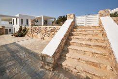 Luxury Villa in Lolandonis Beach , in Paros 11