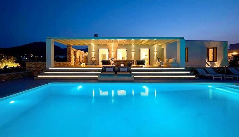 Luxury Villa in Lolandonis Beach , in Paros 12
