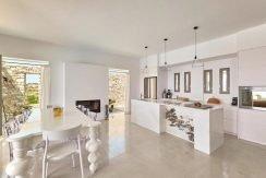 Luxury Villa in Lolandonis Beach , in Paros 17