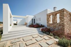 Luxury Villa in Lolandonis Beach , in Paros 2