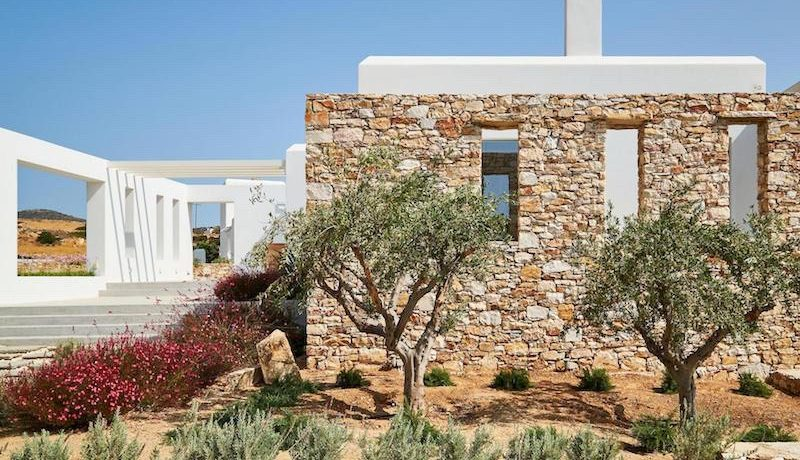Luxury Villa in Lolandonis Beach , in Paros 3