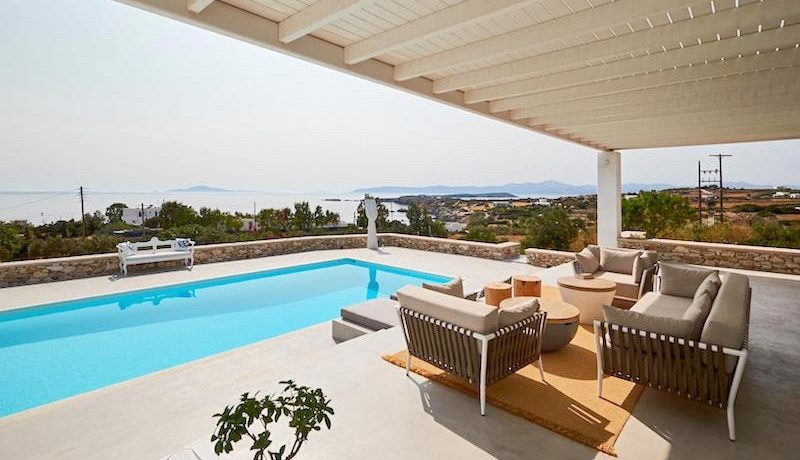 Luxury Villa in Lolandonis Beach , in Paros 5